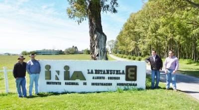 """""""Equipo agrícola Maltexco realiza curso de capacitación en INIA La Estanzuela en Uruguay """""""